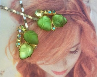 Green Bridal Woodland Goddess Hair Pins Jewelry 1940 1950 Vintage Decorative Molded Art Glass Leaf Leaves Hairpins Bobby Pins