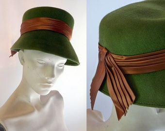 1960s Moss Woodland Green Wool Bucket Hat with Brown Ribbon