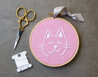 White Cat Embroidery, Pink, Embroidery Hoop Art, Hand-stitched, Hoop Art, Cat Decor, Handmade Embroidery, Wall Hanging, Ornament