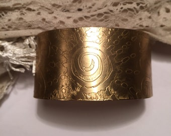 burst of sun etched brass cuff bracelet / gold cuff bracelet