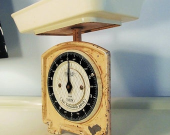 Antique Effem Delta  Kitchen Scale in Cream color West Germany Made