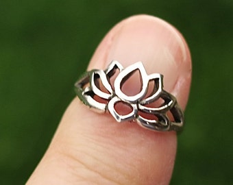 Vintage 925 Sterling Silver Lotus Ring