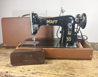Vintage Pfaff 30 Electric Sewing Machine in Original Case