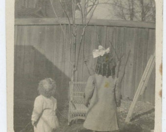 Vintage Snapshot Photo: Two Children, c1910s (610509)