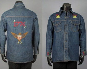 Denim Shirt Jacket -- Men's Vintage 1970s Big Yank U.S. Bicentennial Cross Stitch Cotton Denim Shirt Jacket -- Men's Size M/L