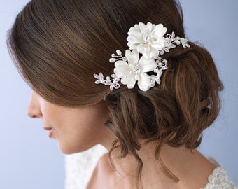 Floral Wedding Hair Clip, Rhinestone Bridal Hair Clip, Floral Wedding Headpiece, Pearl & Rhinestone Wedding Headpiece, Wedding Comb ~TC-2266