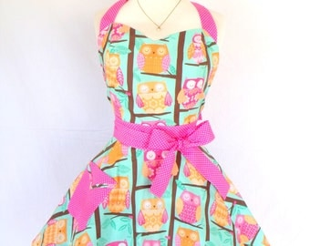 Rockabilly Sweetheart Owl Apron Retro Style with Pink Pin dot Accent