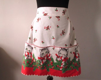 ViNTAGE CHRiSTMAS APRON w/ KITTENS & CaNDY CaNES Big Pockets AdOrabLe!