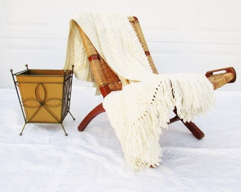 """Wonderful Creamy Bulk in a Great Throw - Synthetic Knit With 5"""" Fringe - Great Neutral for Any Room - Mid Century Modern"""