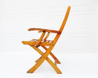 Oak Beach Chair - 1940s Style and Convenience - Folding Chair - Wood Collapsible  - Wood Slats - Retro Style - Lanai, Deck, Patio or Porch