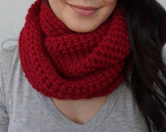 GRACIE Infinity Scarf in Wine