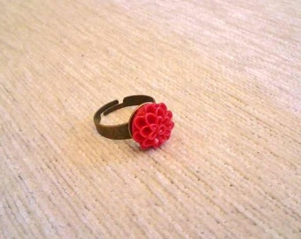 Vintagestyle Ring Dahlia Flower Red adjustable