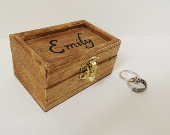Personalised engraved ring box - Small wood box - Jewellery box - Wedding Ring box - Favour box - Trinket box - Engraved name - Gift for her