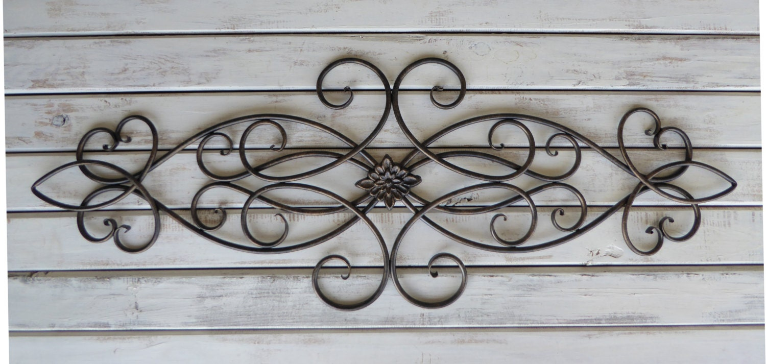 Metal Iron SWIRL With FLOWER Center Wall Art Oil Rubbed