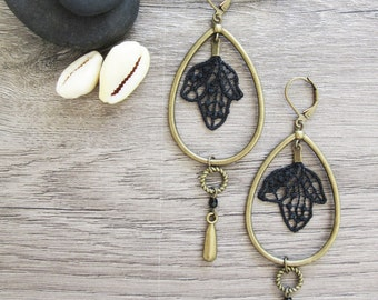 """Earrings """"Happy together"""" black lace and brass"""