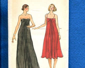 1970's Vogue 9686 Flared Chic Strapless Evening Dress Size 10 UNCUT