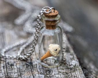 FREE SHIPPING - Vanilla Chocolate Chip Ice Cream Necklace - Miniature Food Jewellery - Miniature Dessert - Ice-cream - Jewelry