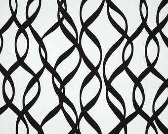 Black and White Streamers Pillow Cover