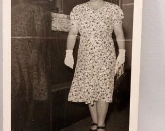 Photograph Postcard Woman Walking 1949 Fashion St Paul RPPC