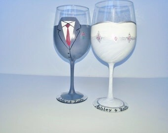 Bride Groom Wine Glasses, Wedding Wine Glasses, Wedding Decor, Anniversary Glasses, Toasting Glasses, Custom Handpainted, Personalized Glass