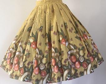 Gorgeous 50s 60s Fruit Novelty Print Rockabilly Skirt / Oranges Bananas Pears / Full Skirt / Small