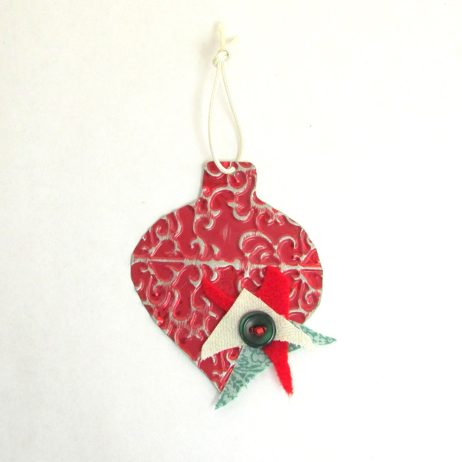 Red christmas ornament metal by playnwithscraps