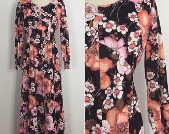 Vintage Floral Dress / 70s Dress / Maxi Dress / Long Dress / 1970s / Dress 12