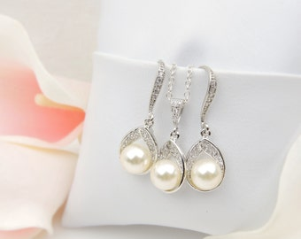 FREE US Ship Cubic Zirconia And Pearl Teardrop Bridal Earring And Necklace Set Bridesmaid Jewelry Set Bridesmaid Gift Teardrop Wedding Set