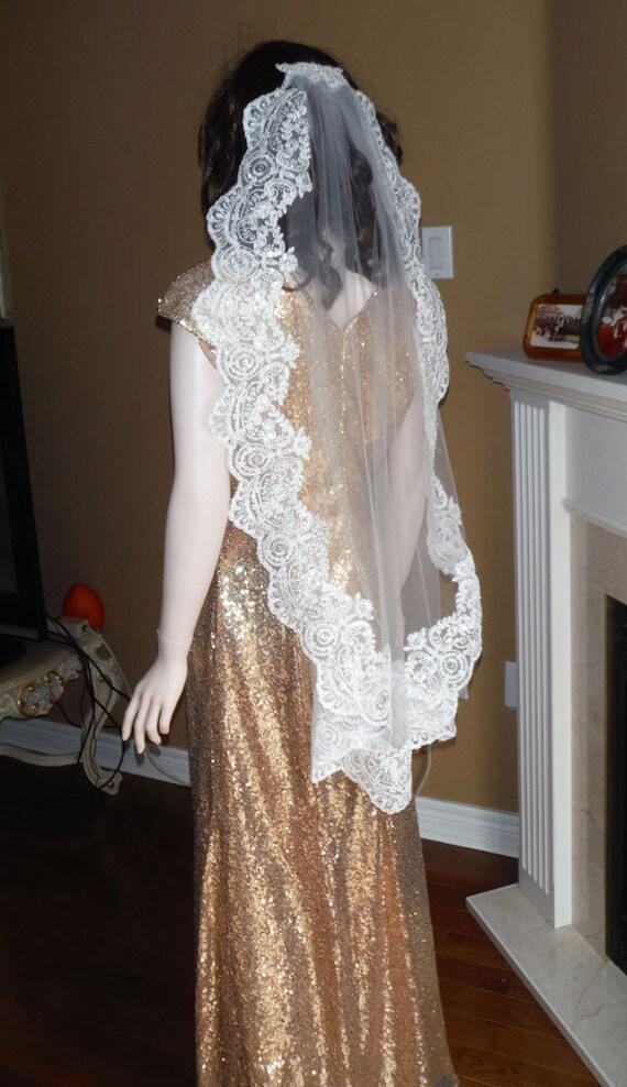 Fingtip lace wedding veil, mantilla veil, bridal veil, lace veil ...