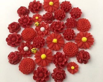 30 flower cabochon flower mix , red color, assorted sizes,#FL98-1