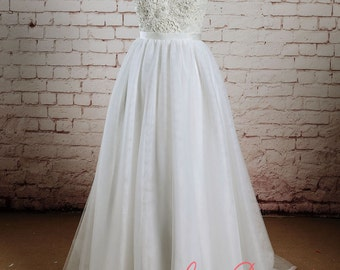 Beading Bodice Wedding Dress with Tulle Skirt A-line Bridal Gown with Sheer Back Sleeveless Wedding Gown