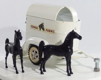 Vintage Tonka 1960 Farms Horse Trailer with 2 Horses