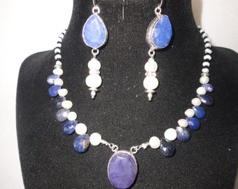 Flawless 40 Carats Sapphire Pearls Necklace******.