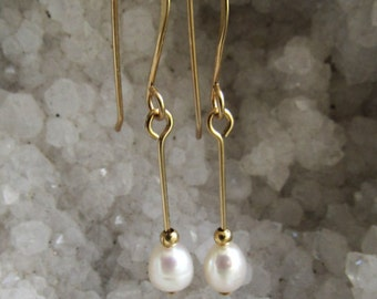 Earring freshwater biwi pearls high luster,12k goldfilled wire or sterling silver, handmade french earwires.  The length is  1 3/8 inch