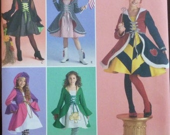 Sewing Pattern Simplicity 2834 - Child's Halloween Costume - Size 7,8,10,12,14 - UNCUT