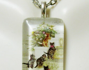 Discovering the Christmas tree kitty pendant and chain - CGP09-003