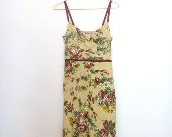Beautiful tailored fit floral dress
