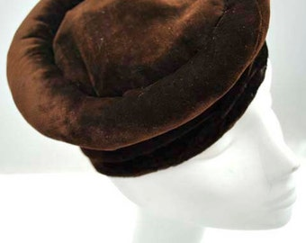 Vintage 1930s Brown Velvet Tilt Hat with Rolled Rim
