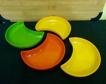 Plastic Crescent Dishes; Approx. 3.5 x 5.5 in; Mod Vibe !!!