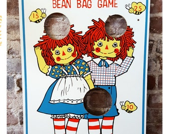 Vintage Raggedy Ann and Andy Bean Bag Toss Game, Retro Children's Activity, Wall Hanging, Nursery Decor
