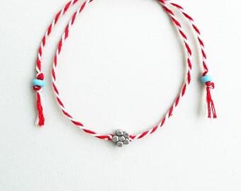 March bracelet,Minimalist,Martisor,Martenitsa,Flower charm,Charm bracelet,Greek custom,Red and white thread,Balkan tradition,Fiber,Martis