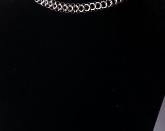 Delicate chainmaille choker