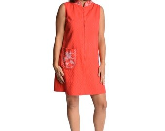 Coral Shift Dress Floral Embroidered Cotton 1960s Vintage Mod XS S M