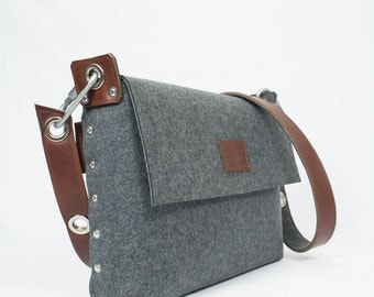 Messenger Bag, Satchel bag / Messenger bag for men / Mens bag / Felted bag / Womans Felt Satchel / Felt Bag / Womans Felt bag / Unisex Bag