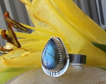 Labradorite Ring, labradorite jewelry, Sterling Silver Ring, Blue Flash, Natural Labradorite, elegant ring, labradorite, handmade ring