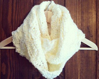Sweetwood Circle Scarf - Ivory