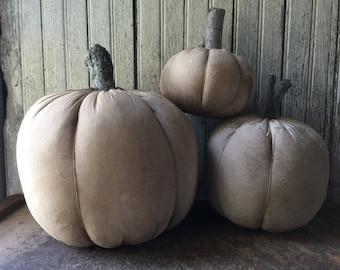 Primitive Grungy Pumpkins Set of 3 Fall Decoration Halloween White Handmade