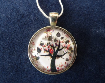 Tree of Life Pendant 1 inch with 18inch Chain    Mothers Day Gift