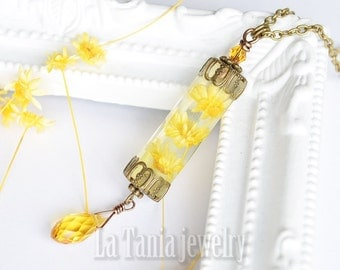 Yellow Flower Necklace -  Dried Flower Pendant, Resin Flower Necklace, Boho, Witchcraft, Real Flower Necklace, Statement Jewelry, Whimsical