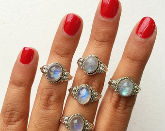 Delicate Rainbow Moonstone 925 Silver Ring